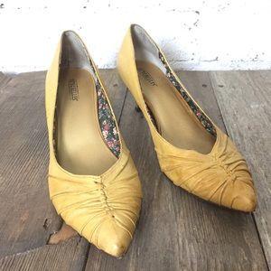 Yellow leather Seychelles kitten heels